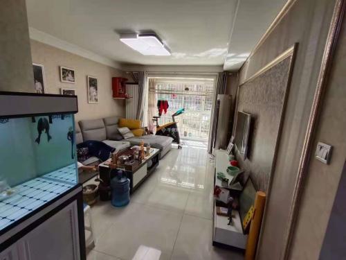 远洋城景泰翰林外国语实验小学学区房电梯房小高层南客厅